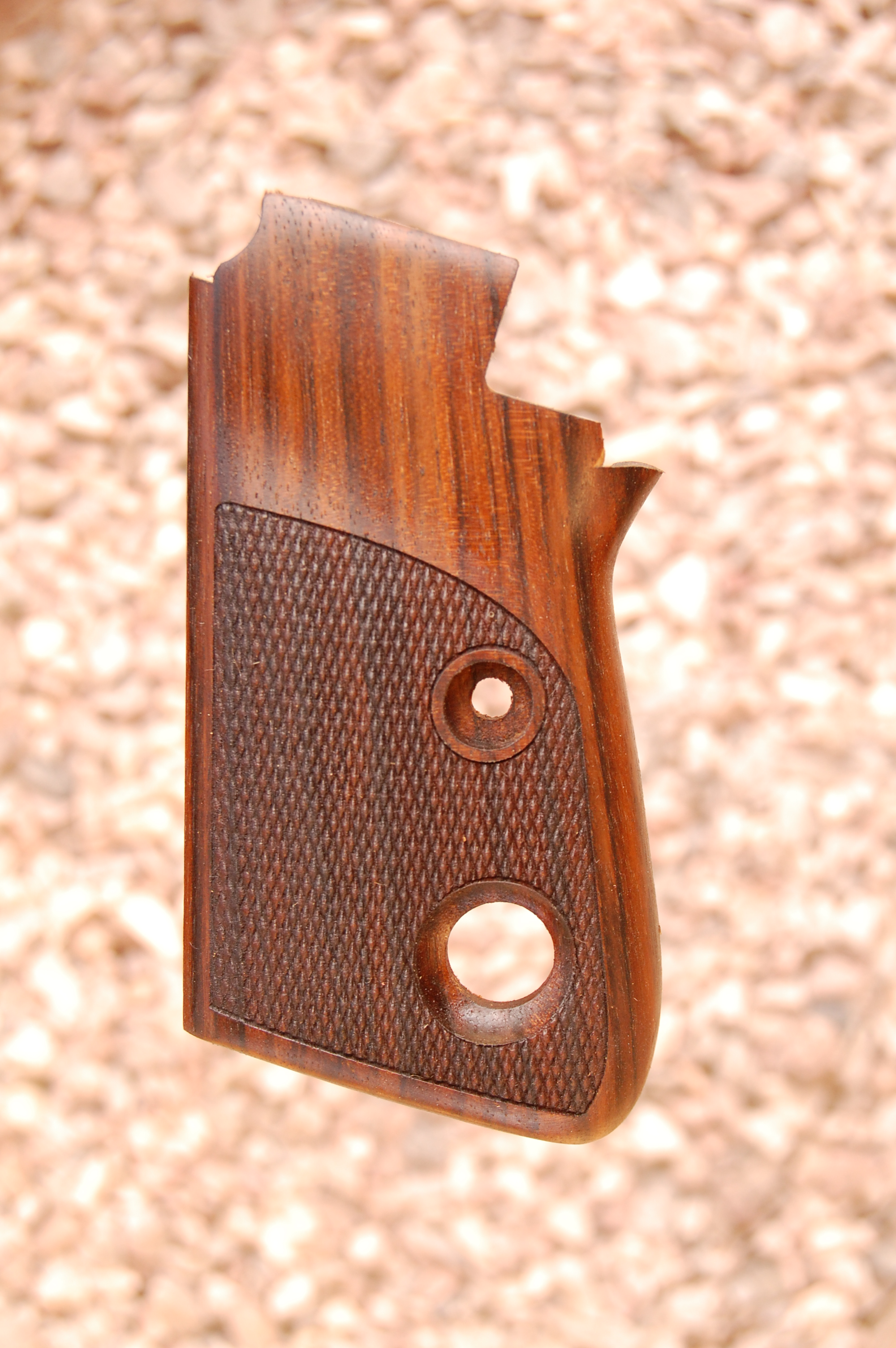 BERETTA 70/71 2nd type grips (checkered) - full size