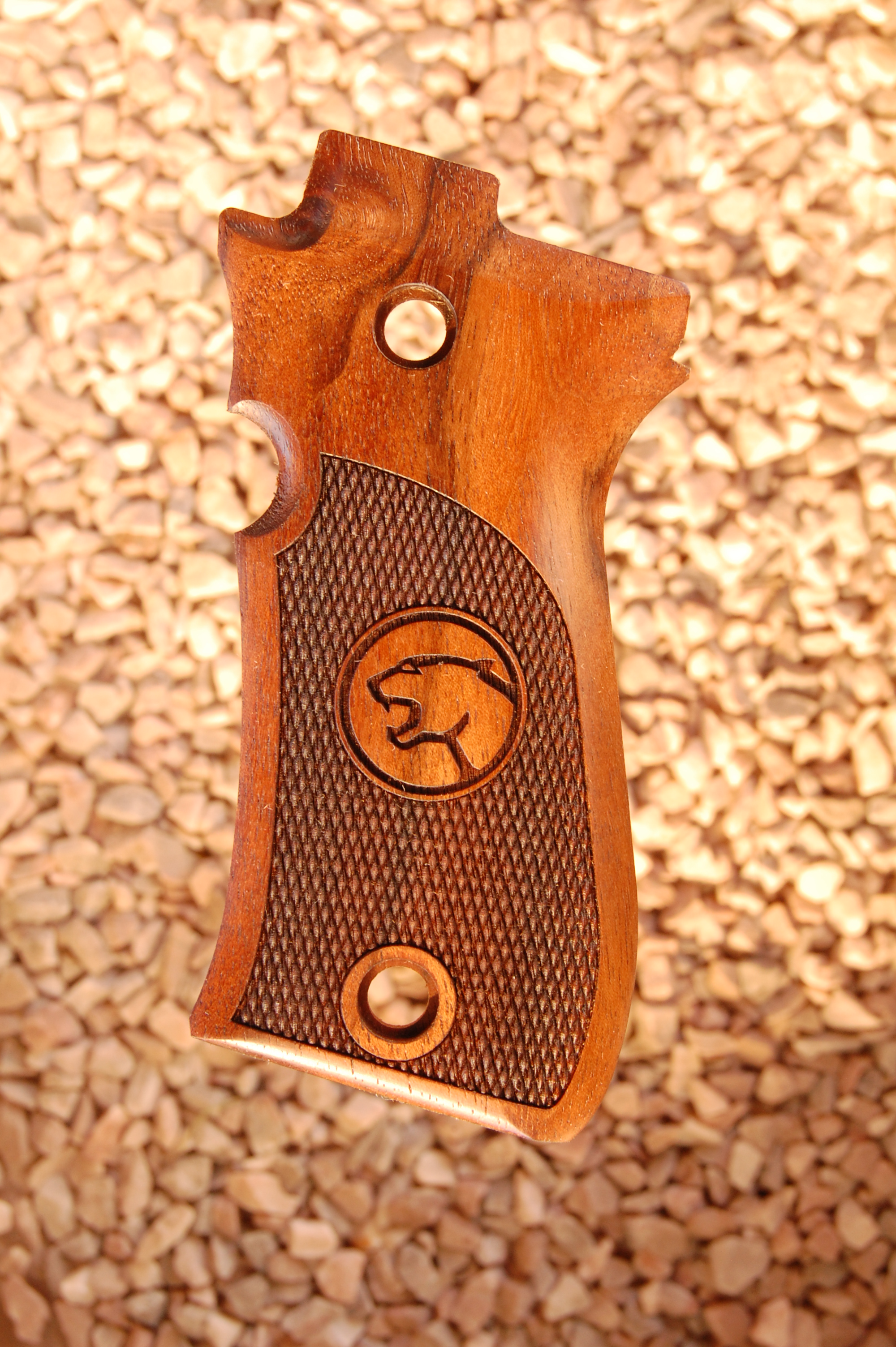 BERETTA 85/87 grips (checkered+cougar) - full size