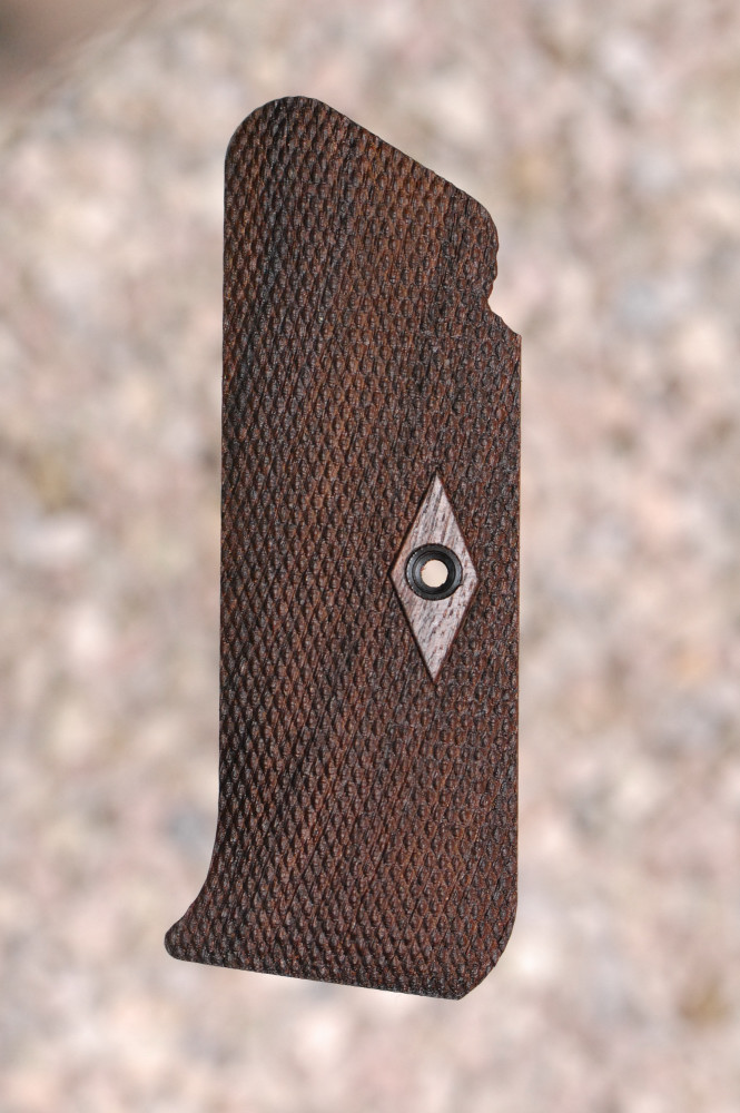 COLT PRE-WOODSMAN GRIPS (checkered) - full size