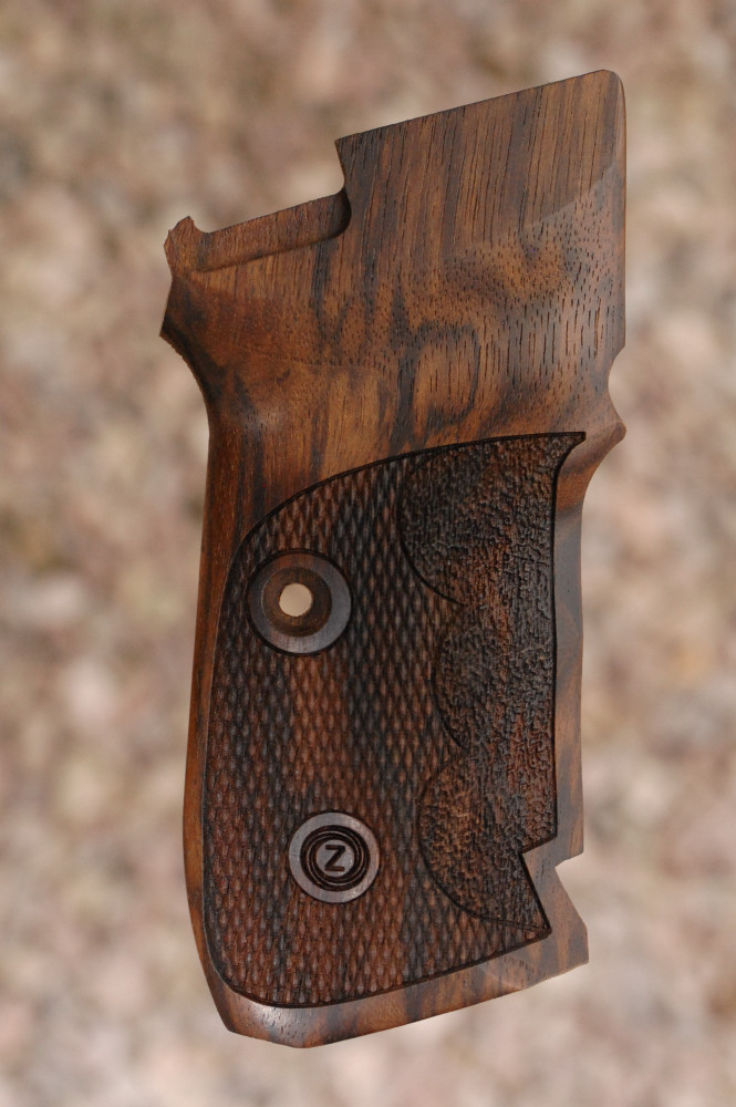 CZ 82/83 GRIPS With Finger grooves (checkered) - full size