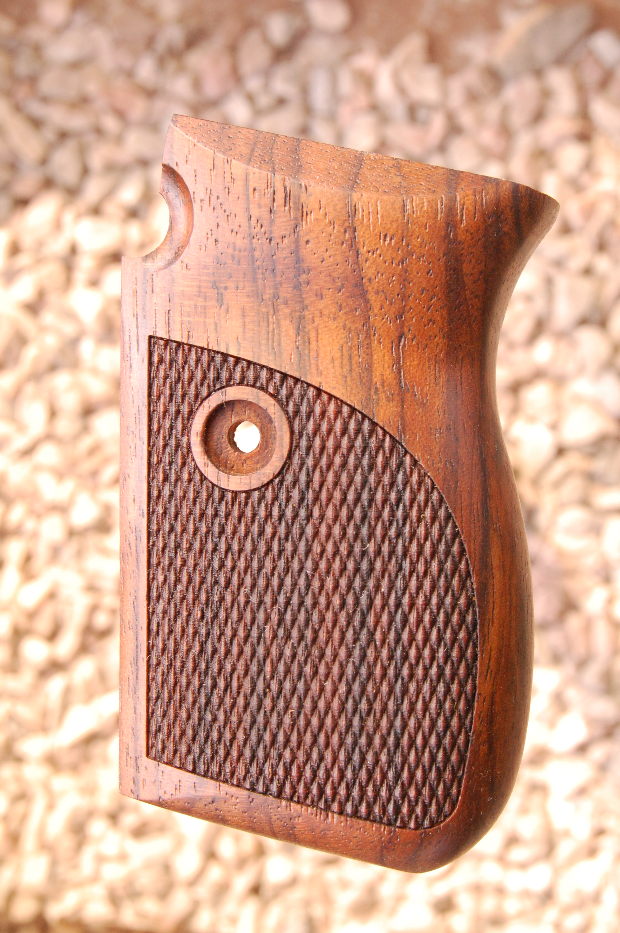 MAUSER 1914 grips (checkered) - full size