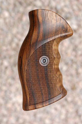 RUGER GP100 target GRIP (blued steel)