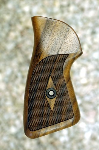 RUGER SP101 grips (checkered)