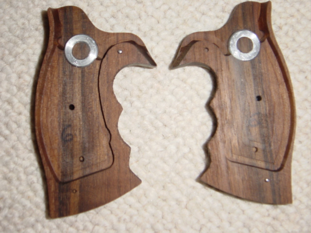 S&W K/L Round butt GRIP (stippled) - full size