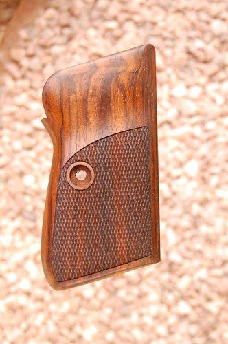BERETTA 70/71 2nd type grips (checkered)
