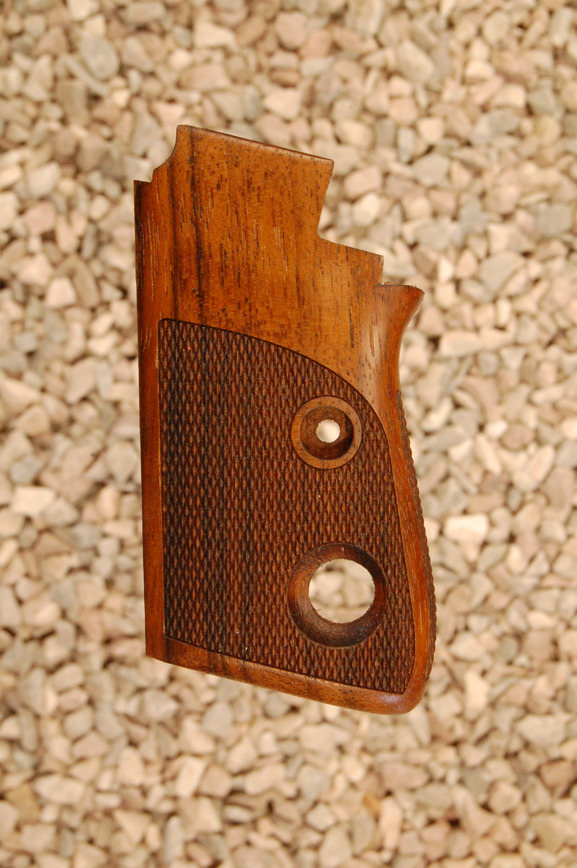 BERETTA 7071 2nd type grips (checkered back) - full size