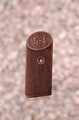 BROWNING - FN 1900 (checkered+logo)