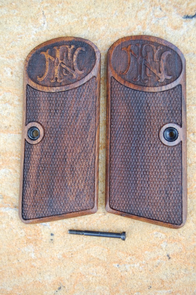 BROWNING - FN 1910 GRIPS (checkered+logo) - full size