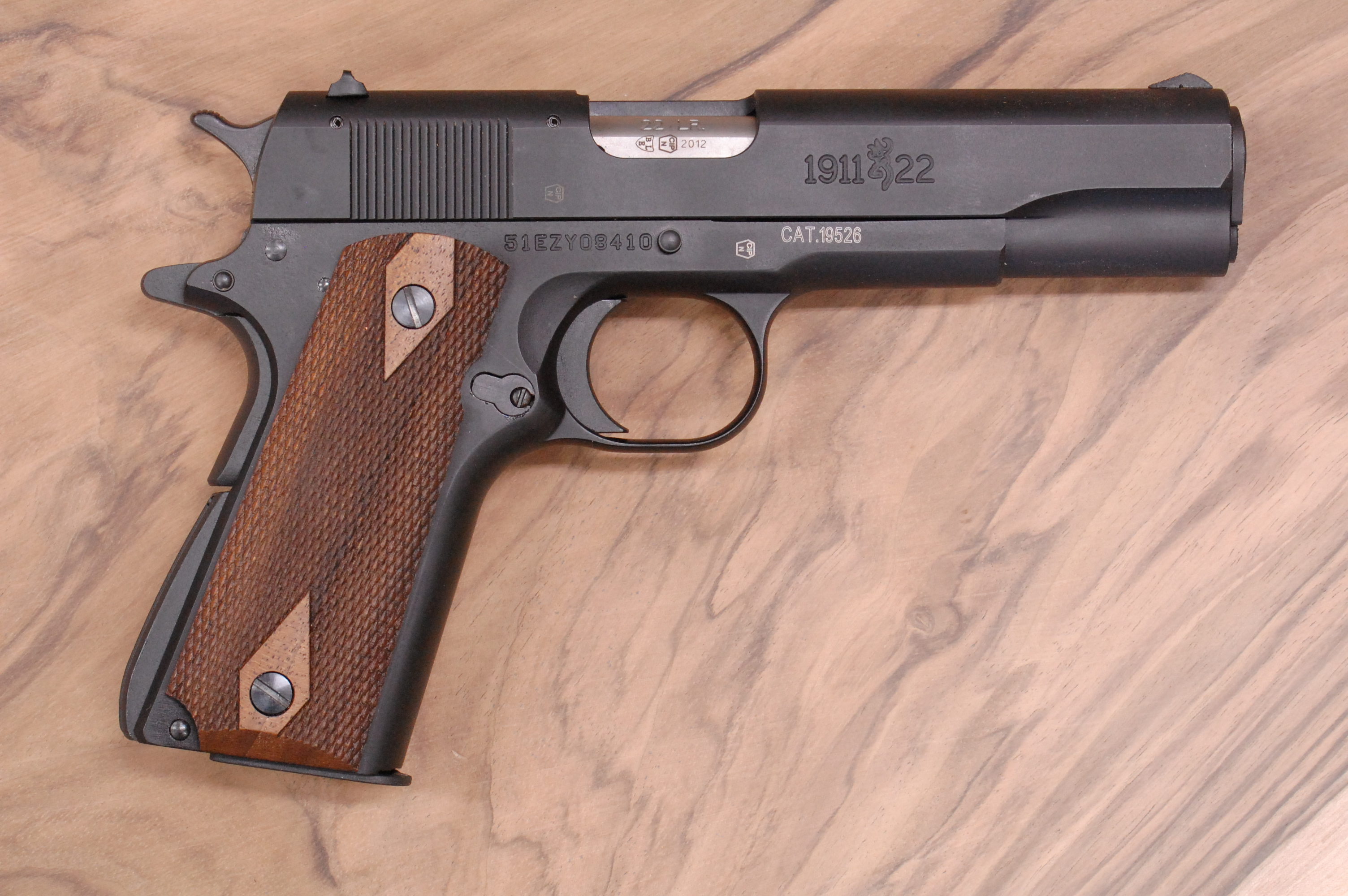 BROWNING 1911-22 grips (checkered) - full size
