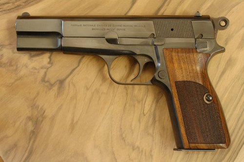 BROWNING Hi-power GRIPS (checkered)