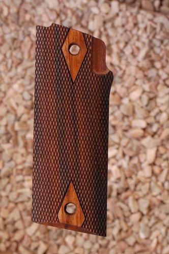 COONAN B grips (checkered)