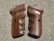 CZ 82/83 GRIPS w/ FINGER GROOVES (smooth #6)
