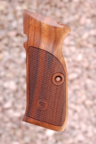 CZ 75 GRIPS type 3 (checkered)