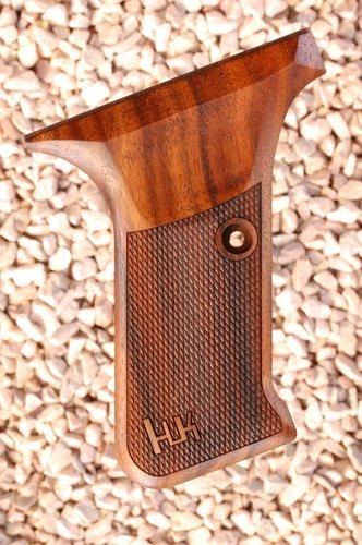 HK P7 GRIPS w/ flush mag.rel (checkered+logo)