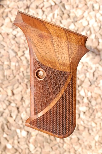 HK P7 GRIPS w/ protruding mag.rel (ckrd+texture)