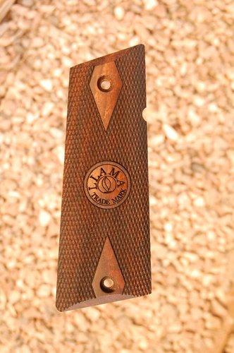 LLAMA IXa grips (checkered+logo)