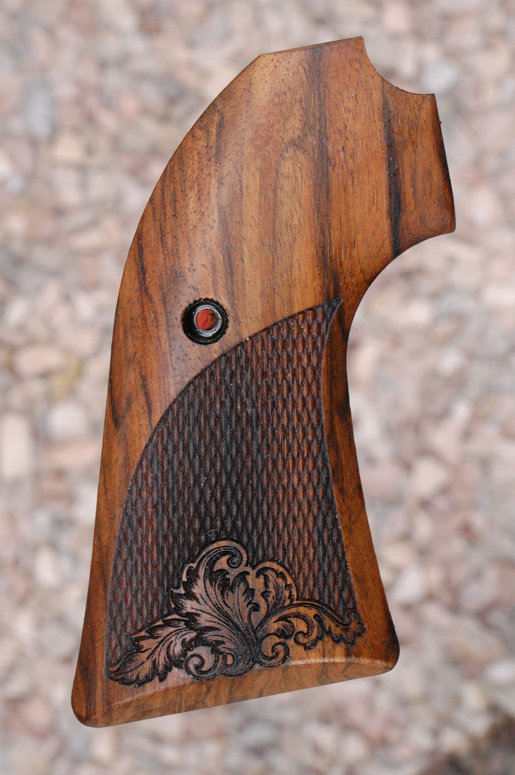 RUGER Bisley Vaquero grips (checkered) - full size