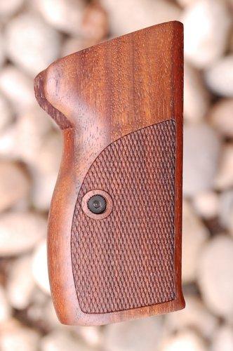 SIG P210 GRIPS, bottom mag.rel., no lan.ring (ckrd)