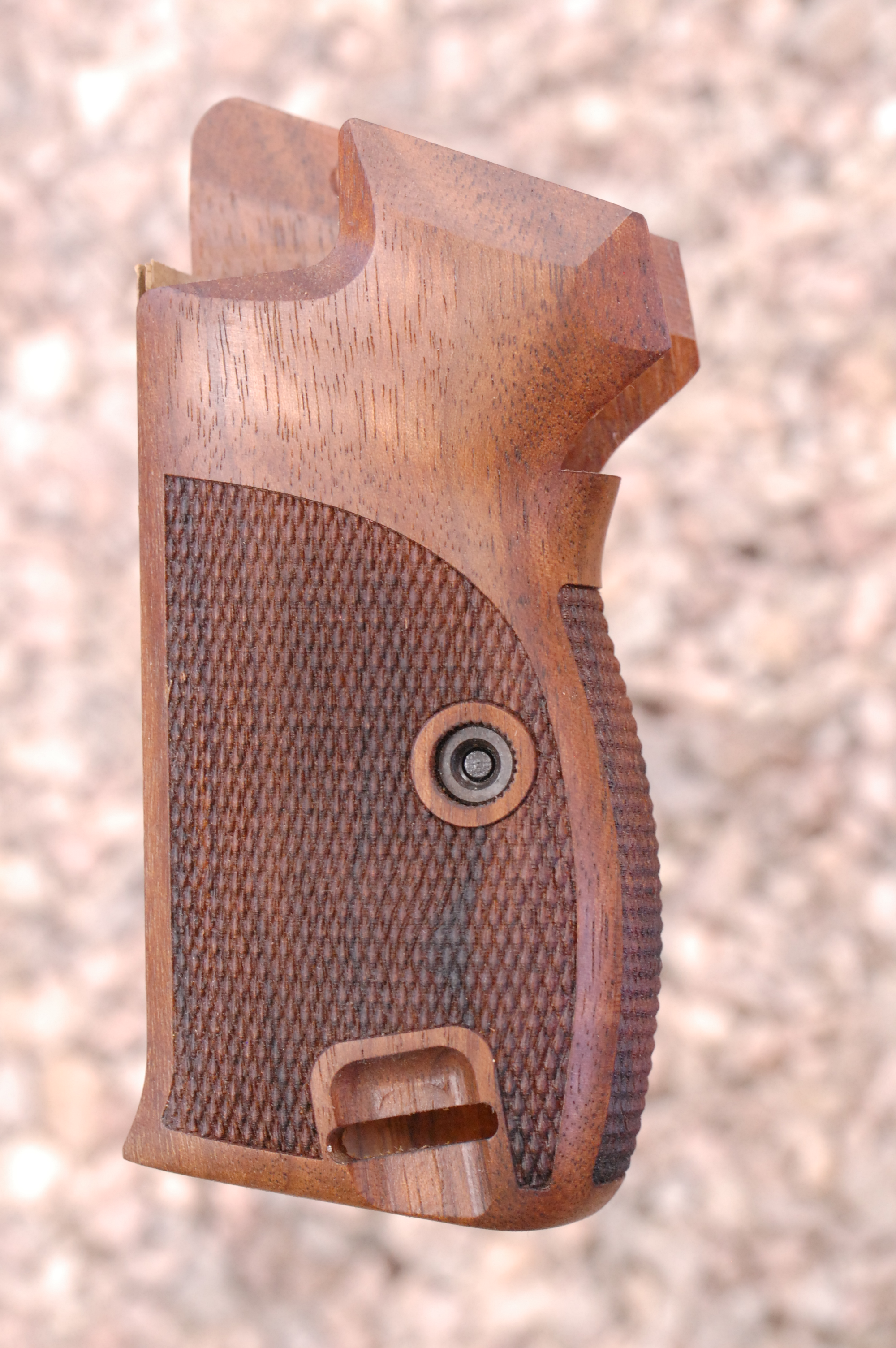 SIG P210 grips, bottom m.r., heavy (checkered back) - full size