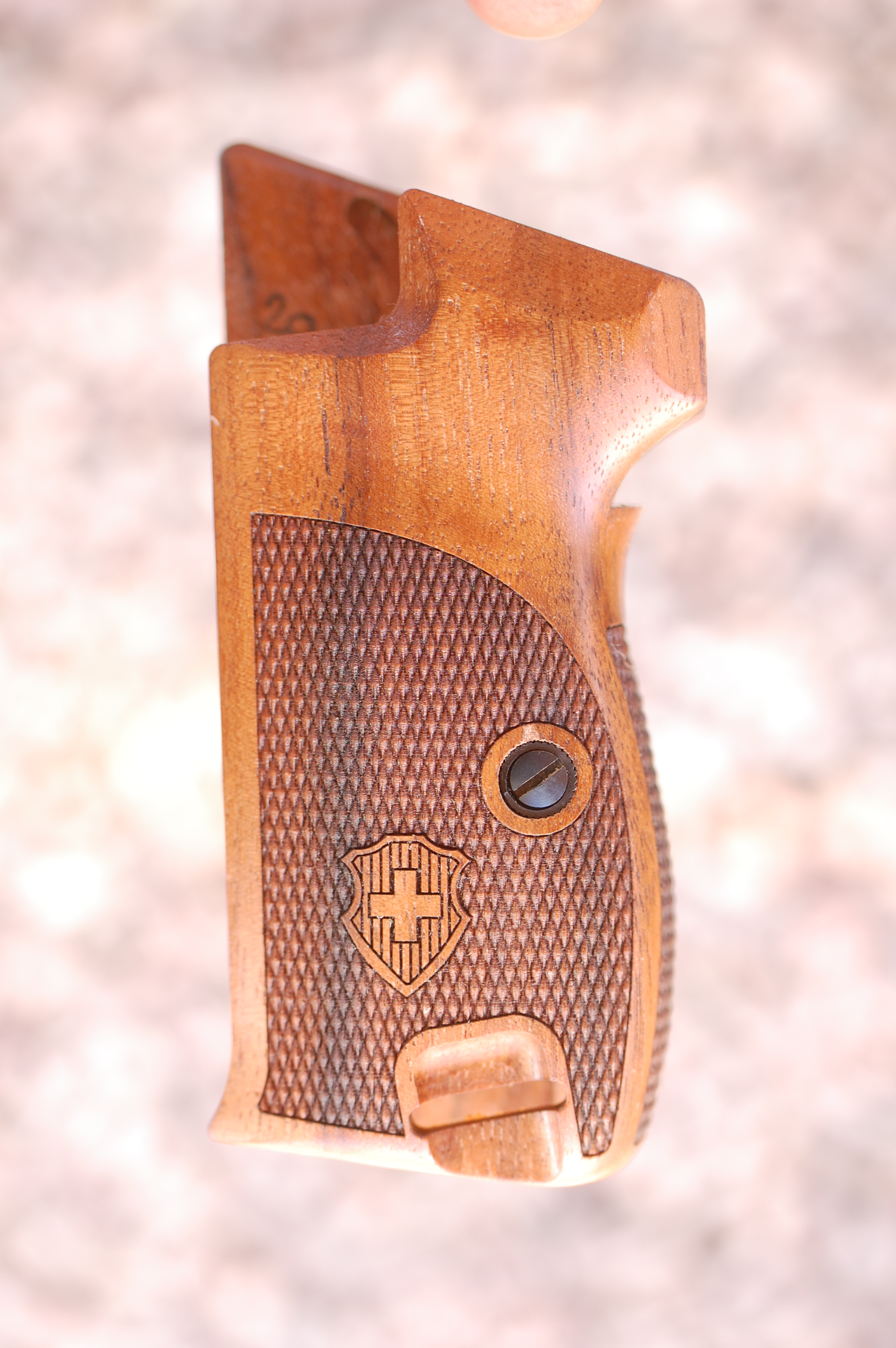 SIG P210 grips, bottom mag. release (checkered back+logo) - full size