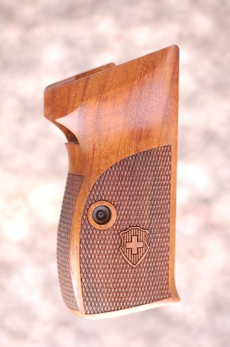 SIG P210 grips, bottom mag. release (checkered back+logo)