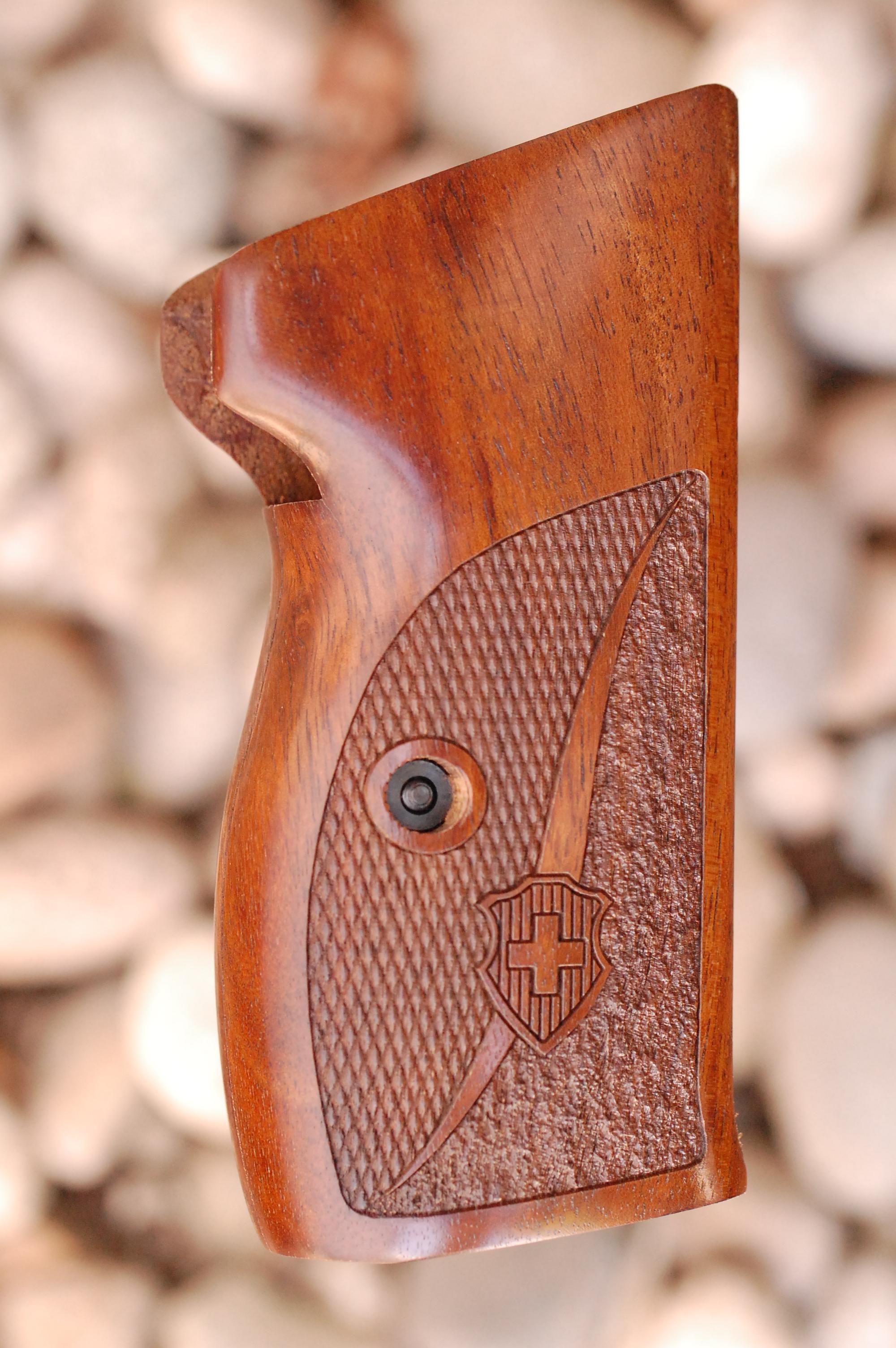 SIG P210 GRIPS, side mag.rel, no lan.ring (ckrd+text+logo) - full size
