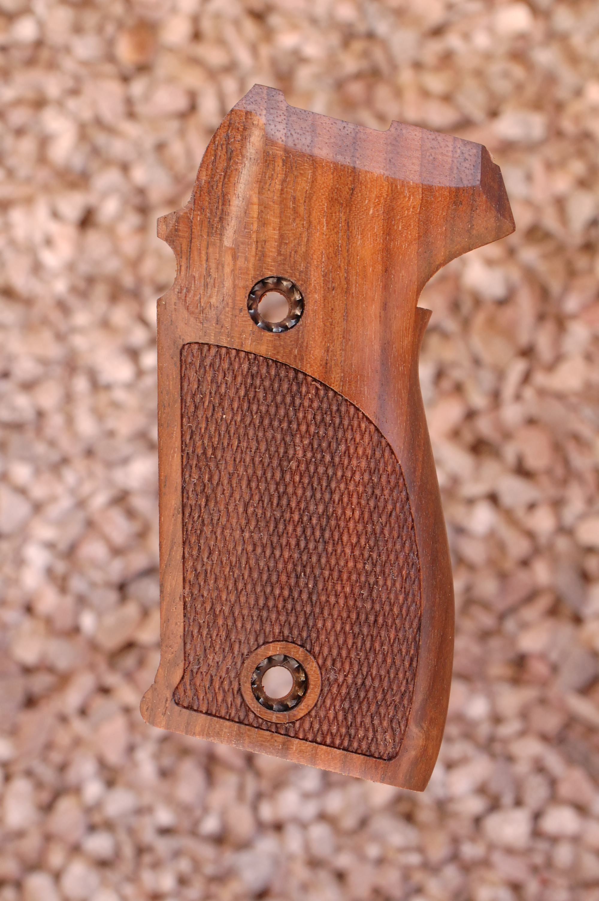SIG P225/P6 GRIPS (checkered) - full size
