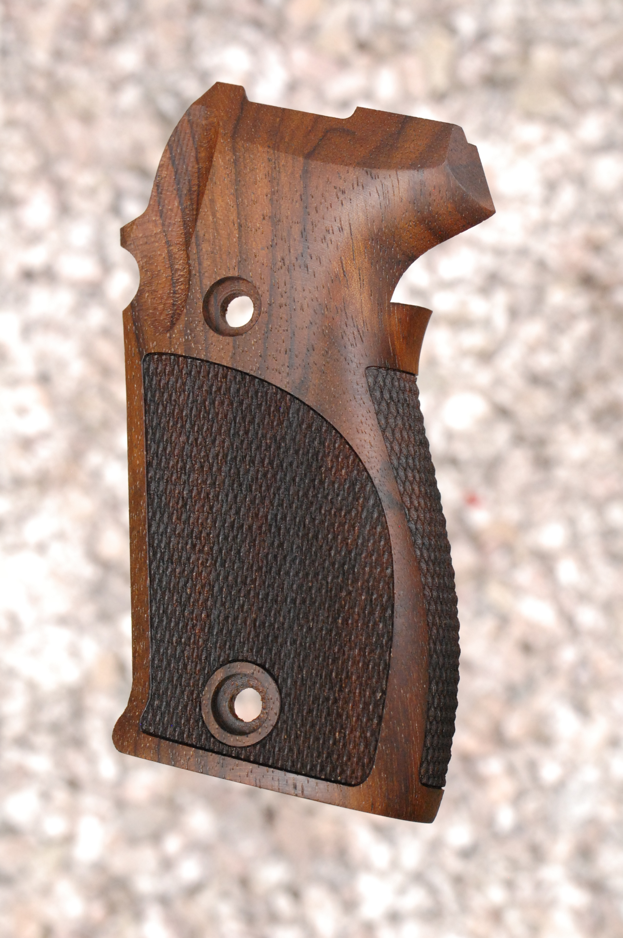 SIG P225/P6 GRIPS (checkered back) - full size