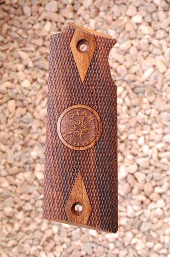 STAR B grips (Checkered+logo)
