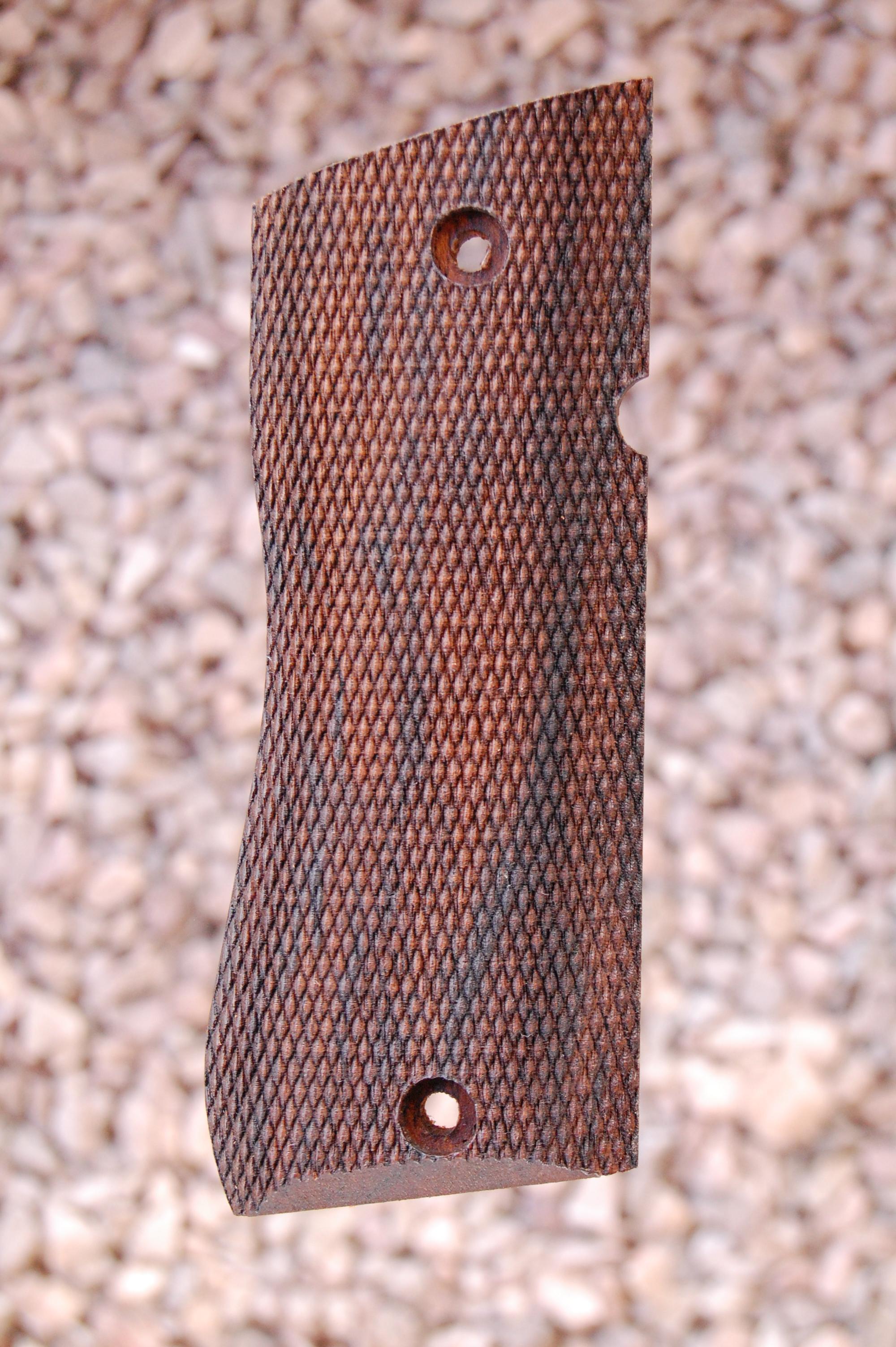 STAR BM grips (fully checkered) - full size