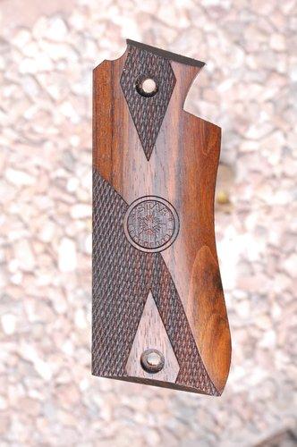 Star BM grips (part.checkered)