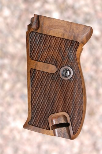 WALTHER P38/P1 GRIPS (checkered)