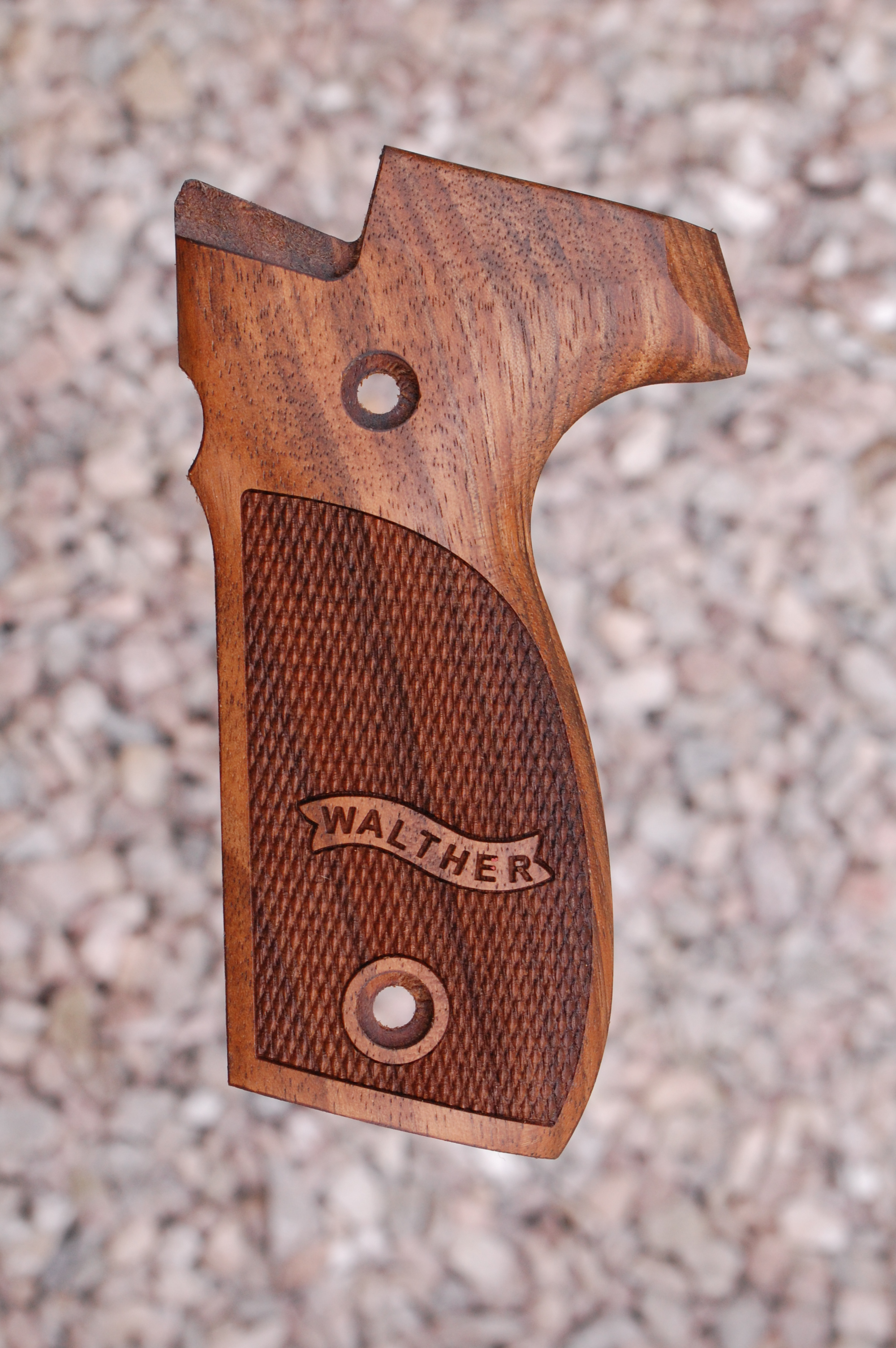 WALTHER P88 GRIPS (ckrd+logo) - full size